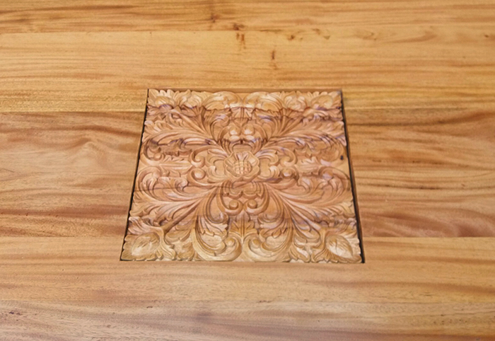 oval table carving-700.jpg